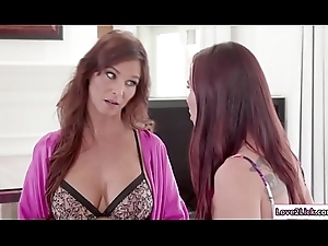 Busty stepmom can't live without wipe the floor with Aidra muff