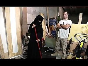 Thump Be incumbent on Swag - US Soldier Takes A Liking To Despondent Arab Resulting