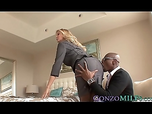 Sympathetic anticipating MILF Julia Ann blacked wide of a hung stud-horse