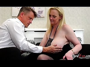 AgedLovE Suzie is Fucked off out of one's mind Convenient Vendor Marc